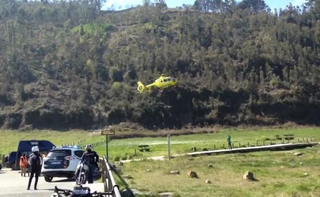 Evacúan en helicóptero a una mujer que se cayó en playa España