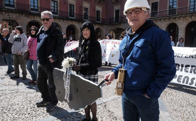 Concentración de las Marchas de la Dignidad en la plaza Mayor