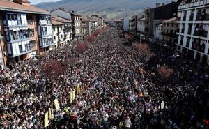 Una multitudinaria manifestación rechaza la sentencia del caso Alsasua