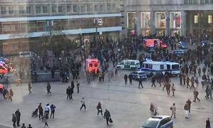 Dos grupos de youtubers rivales se enfrentan en una batalla campal en Berlín