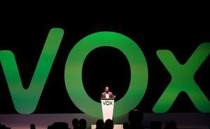 Vox destituye a su presidente en León por su relación con la Fundación Franco