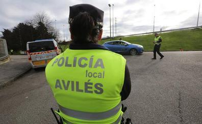 La campaña de Tráfico detecta siete adultos y nueve niños que viajaban sin cinturón en Avilés