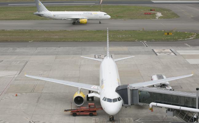 Vueling cobrará por volar solo a Gatwick más que cuando también unía Asturias con París