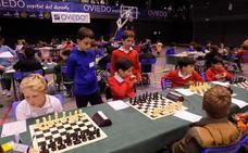 Real Oviedo, Oviedo 93, Ensidesa y Grupo lucharán por el título de ajedrez