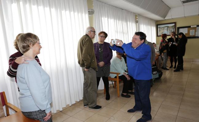 Cincuenta y cinco mayores, a la espera para acceder a un apartamento geriátrico