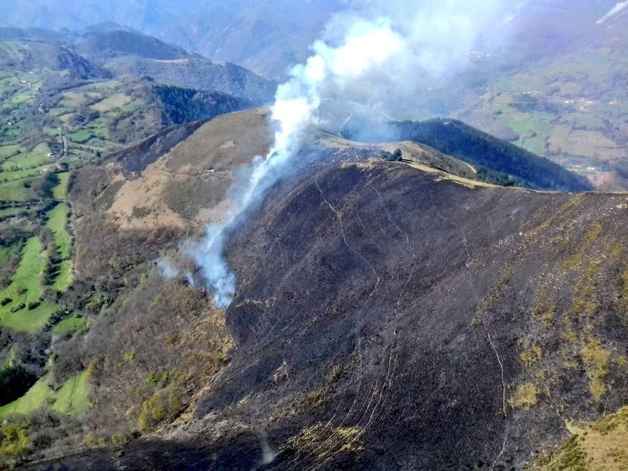 Controlado el incendio en la sierra de Pedroiro, en Belmonte de Miranda