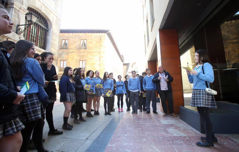 El colegio Santa María del Naranco muestra los lugares de 'La Regenta' en Oviedo