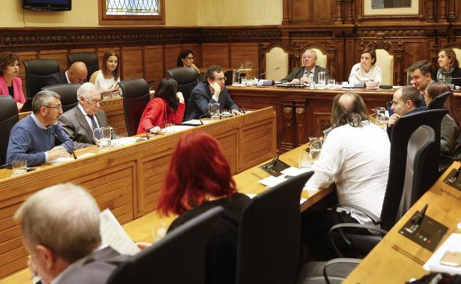 La huelga de la plantilla de conservación viaria enfrenta a oposición y Foro