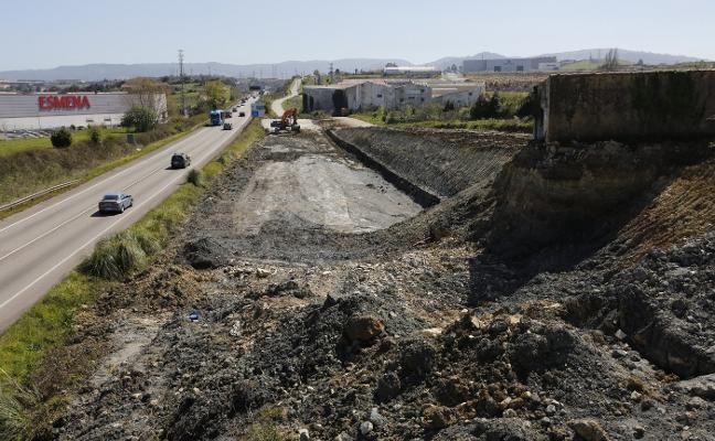Fomento reactiva las obras de los accesos a El Musel tras pasar más de un año paralizadas