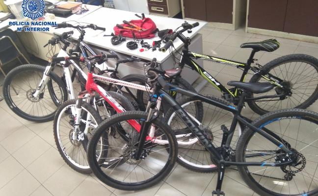 La Policía detiene a un menor por el robo de cinco bicicletas en la zona oeste