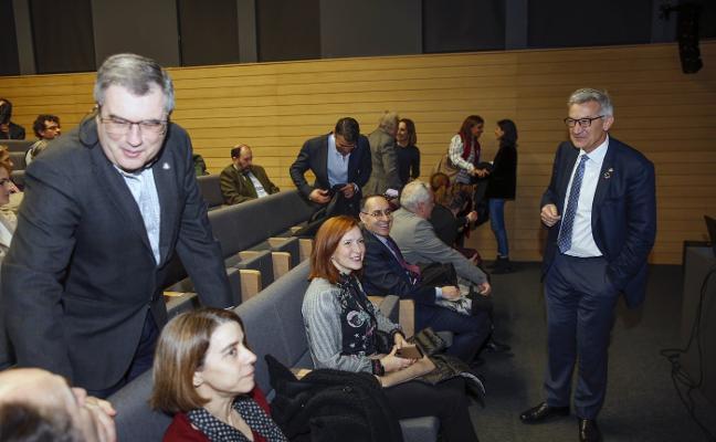 El rector lamenta no tener «fuerza legal y económica» para traer talento internacional