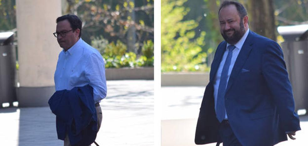 Los presidentes del Sporting y Oviedo entran por separado a la asamblea de la Liga