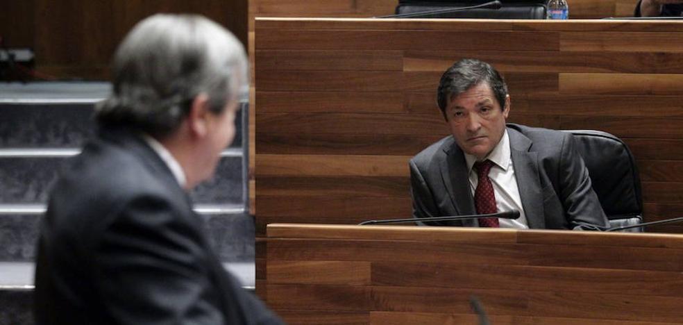 Javier Fernández a Cascos: «Los tyranosaurios rex de mi generación deben asumir su extinción»