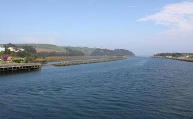 El Gobierno destina 165.000 euros a reparar los daños de la escollera de la ría de Navia