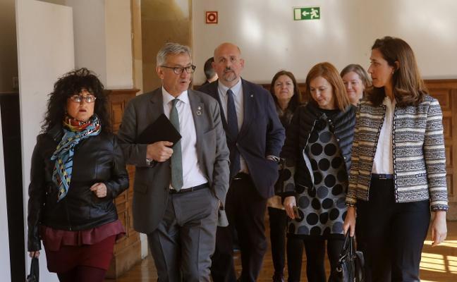 La Universidad nombra doctor honoris causa al vicepresidente de Arcelor