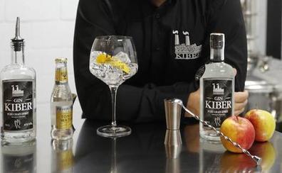 La ginebra asturiana Gin Kiber, medalla de plata en el International Spirits Challenge
