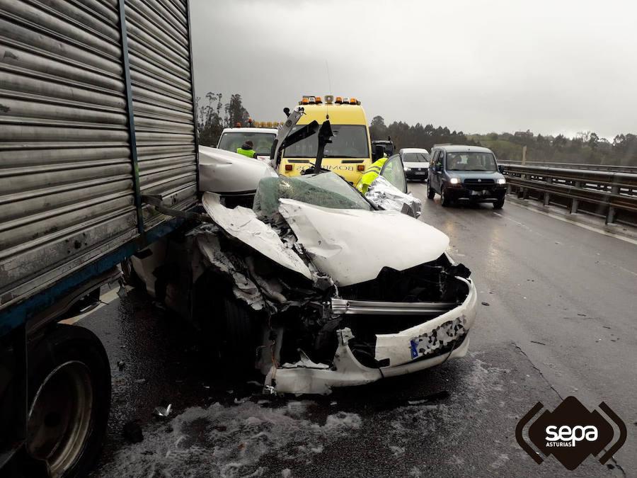El granizo provoca numerosos accidentes en las carreteras de Asturias