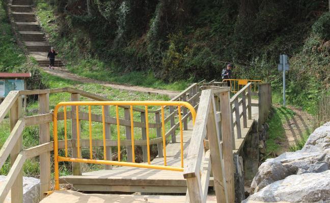 Vecinos de Quintueles critican el abandono de la senda de La Ñora