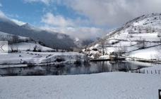 El frío de Groenlandia llega a Asturias y desploma la cota de nieve