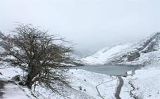 Los Lagos de Covadonga, como en pleno invierno