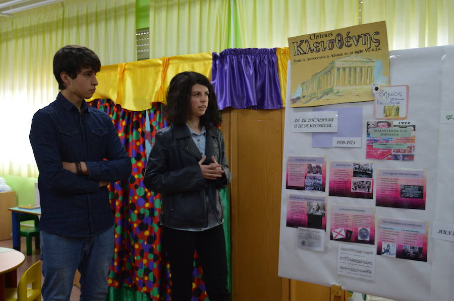 Los alumnos de Ibias presumen de europeístas: «En la Unión Europea, todo son ventajas»