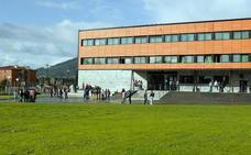 Cuatro menores heridos por juegos virales en el Instituto de Lugones