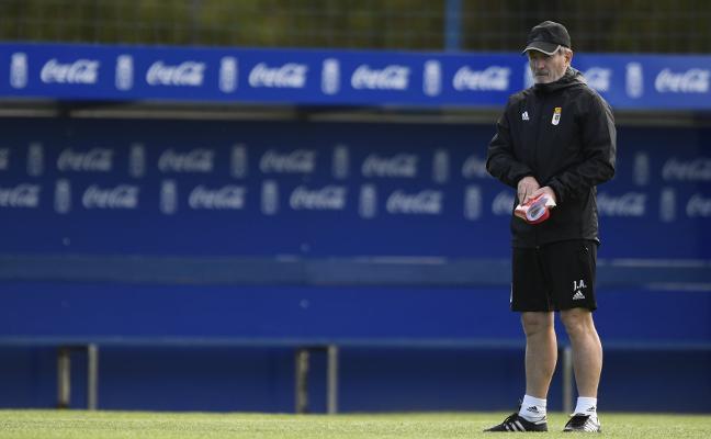 Real Oviedo | Anquela: «Este año arriba hay pocos invitados, a ver si somos capaces de colarnos»