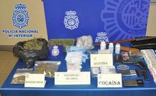 La Policía desmantela un punto de venta de droga en Gijón