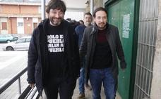 Iglesias a Casado: «Hubo un bárbaro que se burló del asturiano y yo le digo asturiano, llingua oficial»