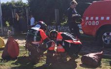 Muere un perro y otro resulta herido al precipitarse por un acantilado en Gijón
