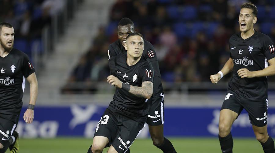 El duelo Tenerife-Sporting, en imágenes