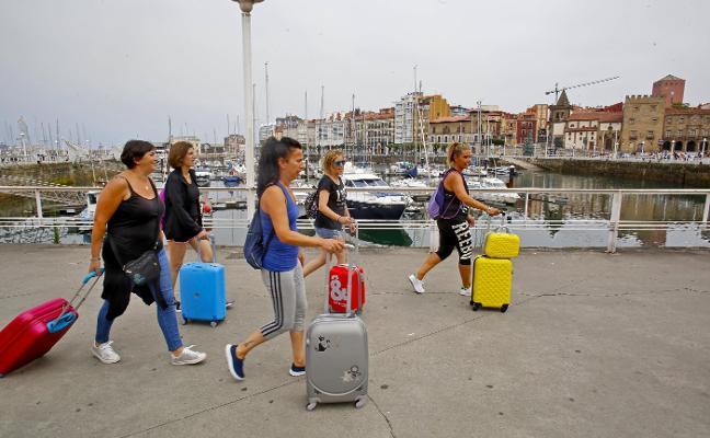 El Consistorio recibe 300 nuevas peticiones de apertura de pisos turísticos en quince días