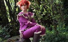 La joven cosplay de Bimenes que cruzó el espejo