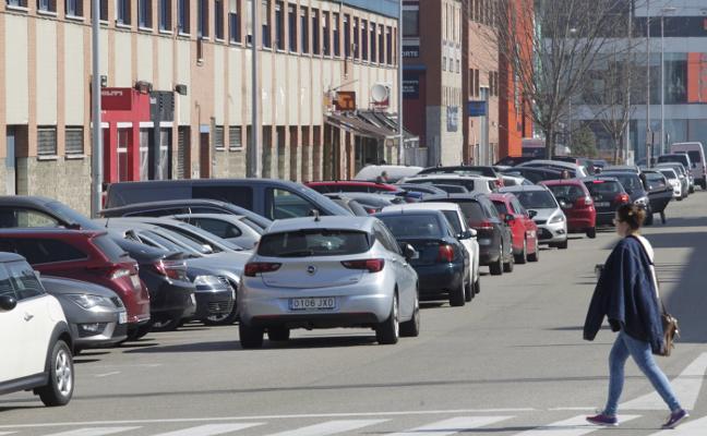 Los trabajadores del Espíritu Santo reclaman más zonas de aparcamiento