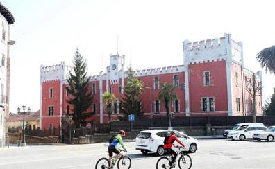 El Ayuntamiento y Defensa se dan un mes para cerrar el precio por la fábrica de Armas de La Vega