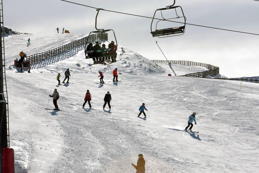 Las estaciones de esquí asturianas, optimistas de cara a la Semana Santa