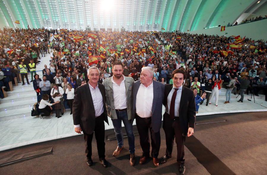 Vox llena el Calatrava en Oviedo