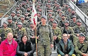 Cangas despide a la tercera compañía del batallón San Quintín