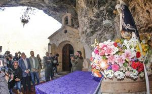 El abad de Covadonga: «La Santina es de todos y no hay ningún problema en que vengan a visitarla»
