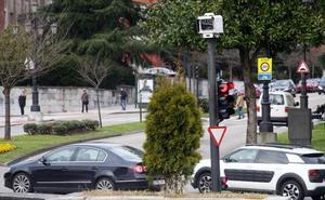Oviedo pone en marcha la ubicación y el apagado aleatorio de los fotorrojos