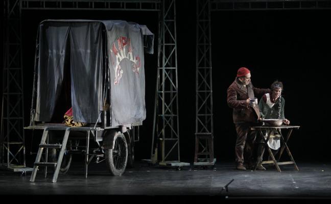 'La strada' de Fellini se hace teatro en el Campoamor