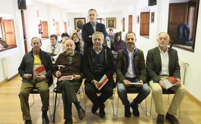 Fructuoso Díaz presenta el libro 'Siero a través de sus alcaldes'