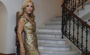 Carmen Lomana deslumbra en Instagram con su posado veraniego