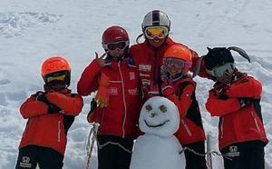 Las estaciones de esquí asturianas registran dos mil esquiadores en el fin de semana