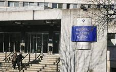 Una mujer denuncia tocamientos dentro del Hospital Valle del Nalón