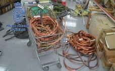 Los cinco detenidos por robar cobre llegaron a desconectar los automáticos eléctricos de Arcelor