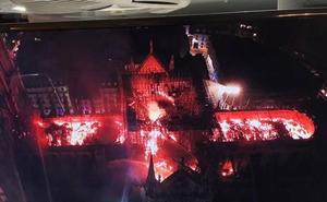 El fuego de la catedral francesa, presente en las redes sociales