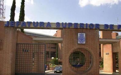 Detenido por falsificar y subastar obras de Chillida, Munch y Guerrero