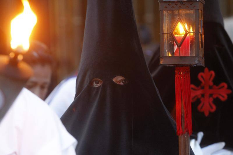 Procesión de las Lágrimas de San Pedro, en Gijón