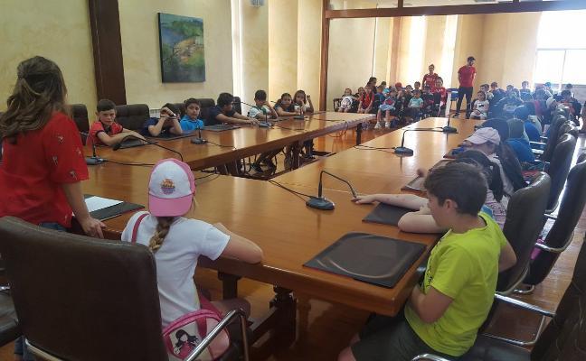 El PSOE de Corvera propone ampliar las actividades de la Escuela de Verano a la Navidad
